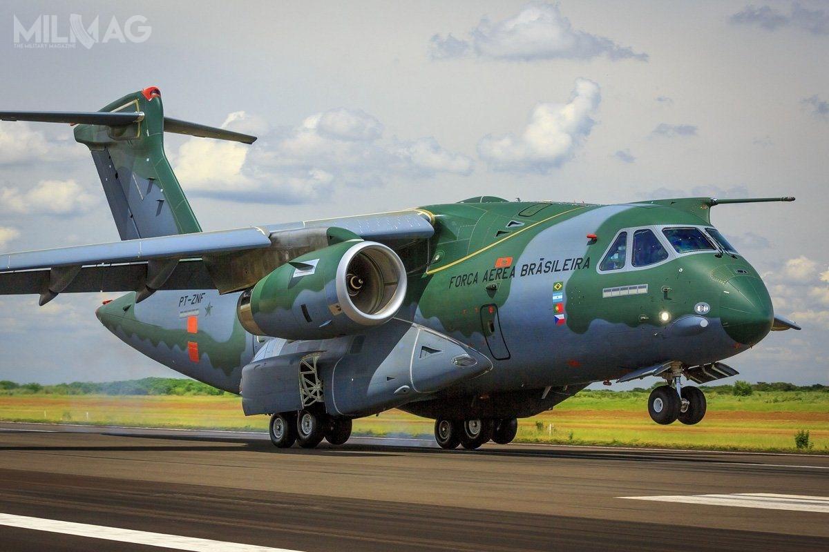 Portugalia stanie się drugim poBrazylii użytkownikiem odrzutowych samolotów transportowych Embraer KC-390. Samolot ma 33,5 m długości, 33,9 m rozpiętości skrzydeł i11,4 m wysokości. Udźwig wynosi 26 t ,a wymiary ładowni to18,5 x 3,0 x 3,4 m. Zasięg z23-tonowym ładunkiem wynosi 2815 km / Zdjęcie: Embaer