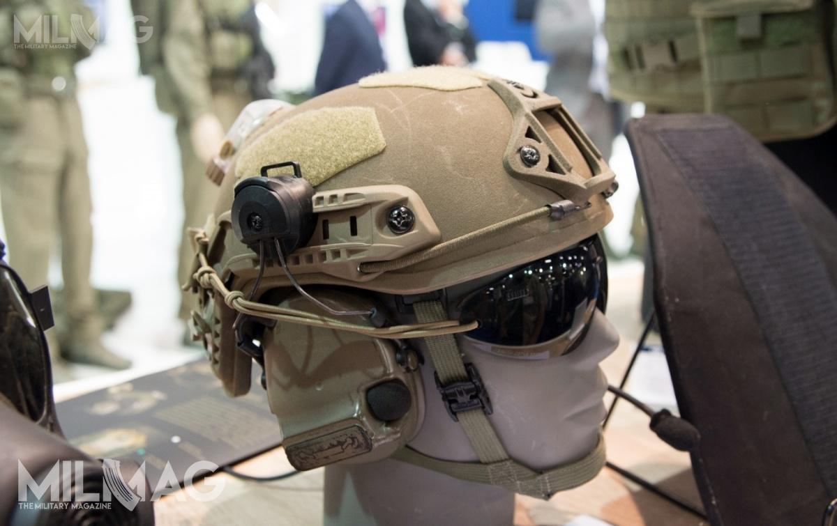 HP-05 zmodyfikowany popróbach wWojskach Obrony Terytorialnej. Taka konstrukcja ma zostać kupowana dla żołnierzy lekkiej piechoty w2019. Wojska zmechanizowane chcą jednak kupić nowoczesną osłonę głowy owiększej powierzchni ochronnej lepiej zabezpieczającą przedodłamkami dlatego donich trafi inny model / Zdjęcie: Jarosław Lis