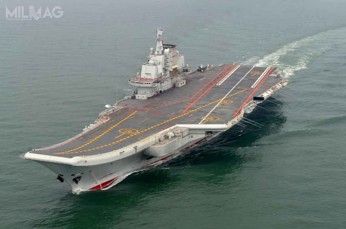 CNS Liaoning (CV-16) typu 001, post-sowiecki Wariag - bliźniacza jednostka rosyjskiego RFS Admirał Kuzniecow, projektu 1143.6, odkupiony odUkrainy w1998 /Zdjęcia: Xinhua.