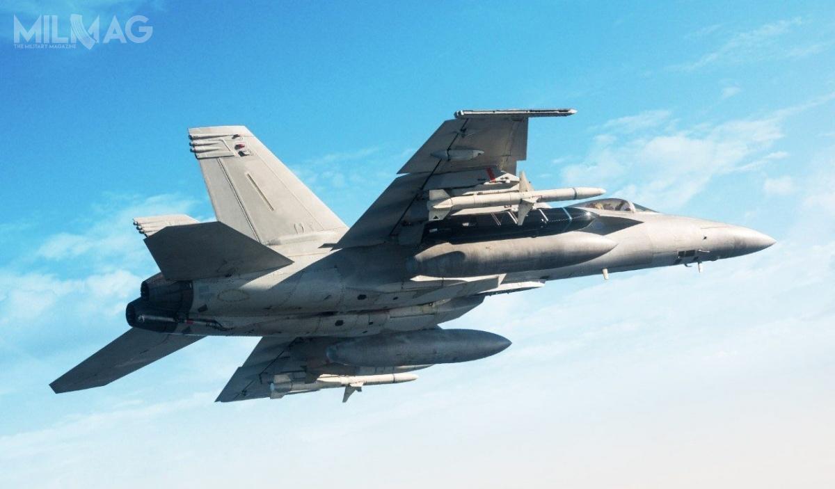 Planowanymi platformami dla pocisków przeciwokrętowych dalekiego zasięgu AGM-158C LRASM są bombowce strategiczne B-1B Lancer, myśliwce pokładowe F/A-18E/F Super Hornet isamoloty wielozadaniowe 5. generacji F-35 Lightning II.