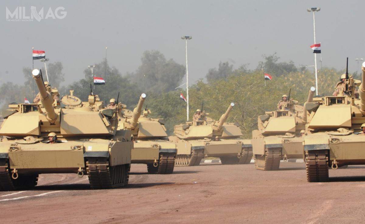 W lipcu 2008 Irak otrzymał zgodę nazakup 146 czołgów M1A1M Abrams (wariant pozbawiony wkładów zezubożonego uranu wopancerzeniu), dzięki czumu stał się czwartym użytkowaniem tych wozów naBliskim Wschodzie, poEgipcie (M1A1), Arabii Saudyjskiej (M1A2 SEP) iKuwejcie (M1A2) / Zdjęcie: Daneille Hendrix, US Army