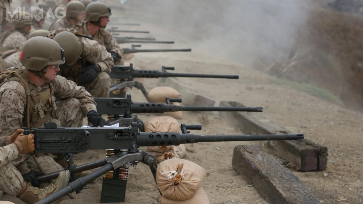 I etap wprowadzania ulepszonej broni wsparcia dopododdziałów Korpusu Piechoty Morskiej (USMC) zakończył się wmarcu 2017. Badania kwalifikacyjne zmodyfikowanego M2A1 zakończyły się w2010 iodsześciu lat broń zaczęła trafiać dojednostek amerykańskich Wojsk Lądowych (US Army). Zgodnie zplanami, USMC zostanie wpełni przezbrojone wkarabiny maszynowe M2A1 w2019 / Zdjęcie: USMC