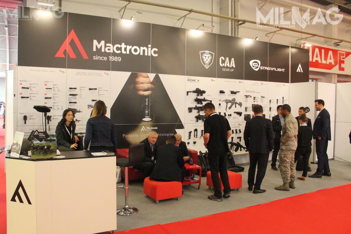 Mactronic topolska spółka produkująca podwłasną marką specjalistyczne systemy oświetleniowe. Jest również autoryzowanym dystrybutorem amerykańskiego Streamlighta iizraelskiej spółki CAA. /Zdjęcie: Jakub Link-Lenczowski