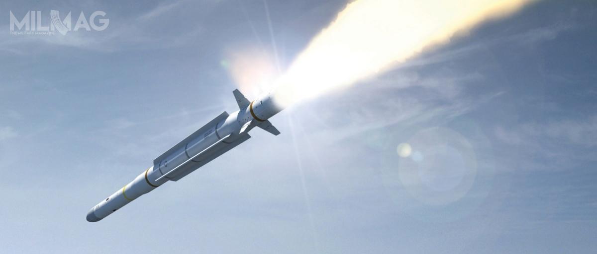 Pociski CAMM-ER charakteryzuje się zastosowaniem rakietowego przyspieszacza, którywydłuża skuteczny zasięg rażenia niemal dwukrotnie