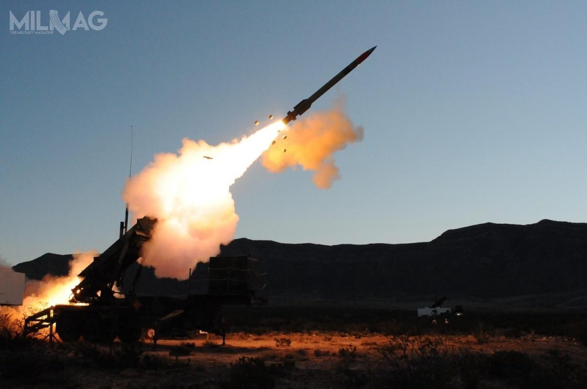 Pociski przechwytujące PAC-3 MSE wostatnich kilkudziesięciu miesiącach były wykorzystywane bojowo przezArabie Saudyjską doochrony infrastruktury własnej przedatakami rakietowymi zestrony rebeliantów Huti zJemenu, powiązanych zIranem / Zdjęcie: US Army