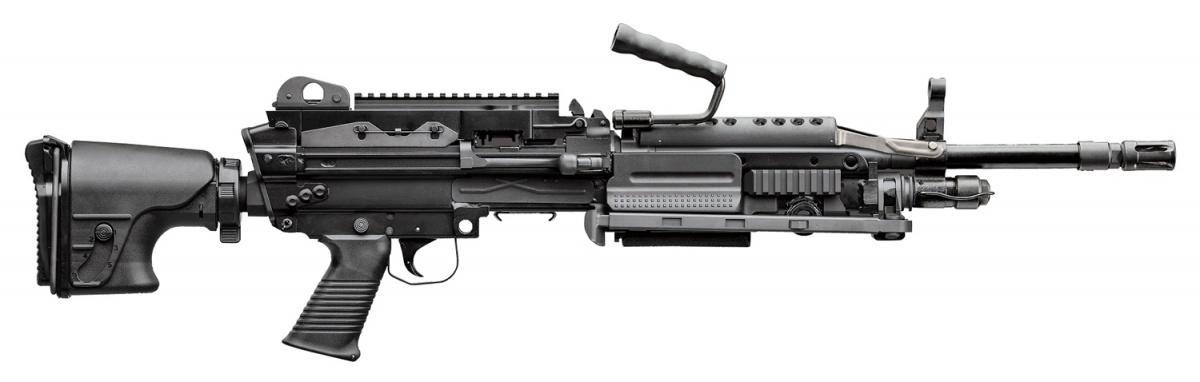 Ręczny karabin maszynowy FN Mk 48 Mod 2doamunicji 6,5 mm x 49/6,5 mm Creedmoor proponowany przezFN America (amerykańska filia belgijskiej FN Herstal) dla amerykańskich komandosów US SOCOM. Broń jest odmianą erkaemu Minimi 7.62 Mk 3doamunicji 7,62 mm x 51 NATO, używanego m.in.przezpolskie Wojska Specjalne, aleteż Służbę Ochrony Państwa / Zdjęcie: FN America