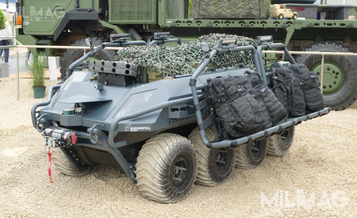 Na prezentowanym podczas paryskich targów bezzałogowcu, zainstalowano dwa zespoły 40-mm wyrzutni granatów dymnych RP, gazowych CS, ogłuszających ićwiczebnych dla pojazdów lądowych Rapid Obscuring System (ROSY_L), opracowane przezAmerican Rheinmetall Munitions.
