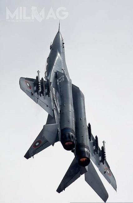 Wojska lotnicze Bułgarii wystawiły napotrzeby ćwiczeń samoloty myśliwskie MiG-29 iszkolno-bojowe L-39 z3. Bazy lotniczej Graf Ignatiewo orazśmigłowce uderzeniowe Mi-24 itransportowe AS-532 Cougar z24. bazy Krumowo wPłowdiw / Zdjęcie: MO Bułgarii