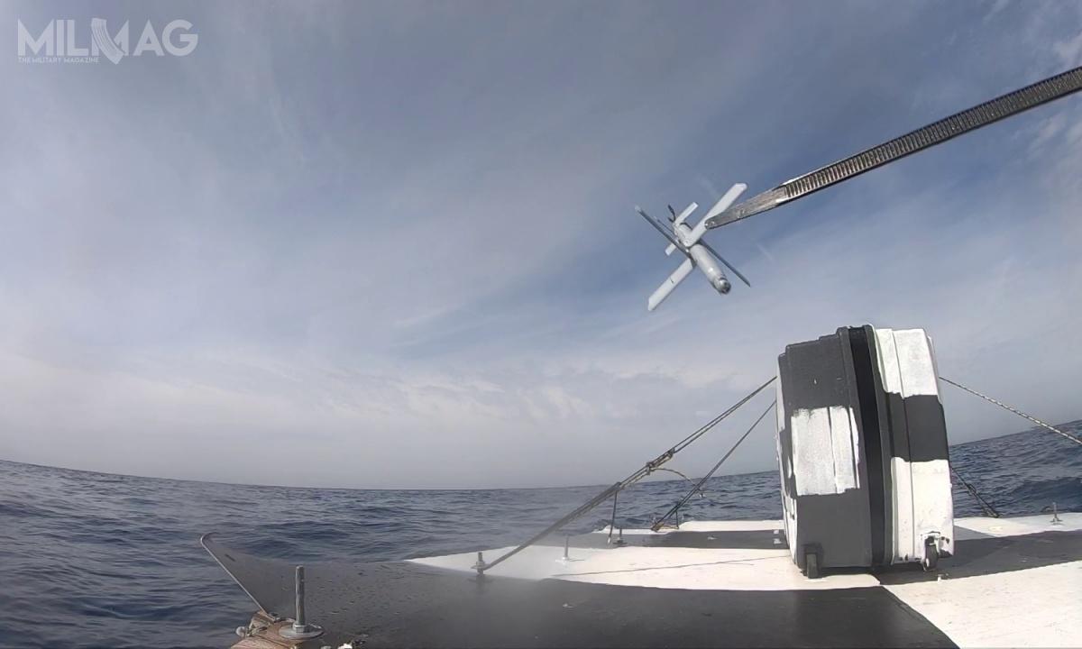 Hero-30 ma masę 3kg, zczego 0,5 kg stanowi głowica bojowa. Bezzałogowiec jest napędzany cichym silnikiem elektrycznym, którypozwala nadolot docelu nadystansie nawet 40 km zprędkością do185 km/h (100 w.) lub 30 minut lotu. Broń może być gotowa doużycia wciągu kilku minut ijest wystrzeliwana wpowietrze metodą pneumatyczną zwyrzutni kontenerowej. Kontrola odbywa się zapomocą panelu sterowniczego operatora (Hero OCU)