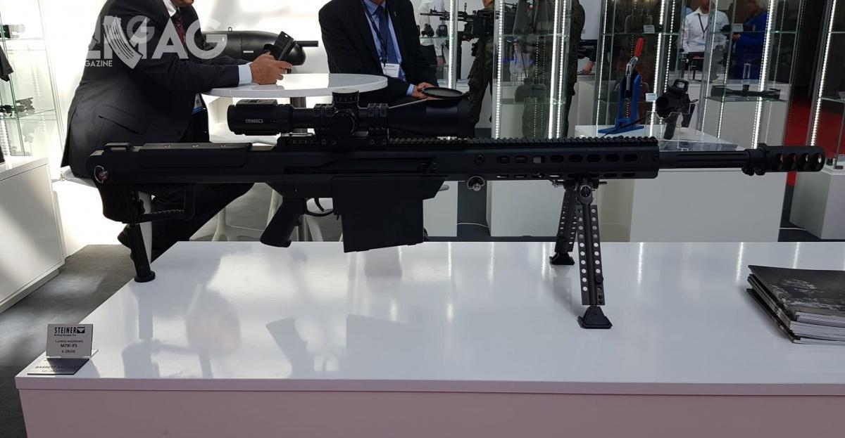 Wielkokalibrowy 12,7-mm karabin wyborowy Barrett Firearms M107A1, któryjest użytkowany przezsiły zbrojne 74 państw.