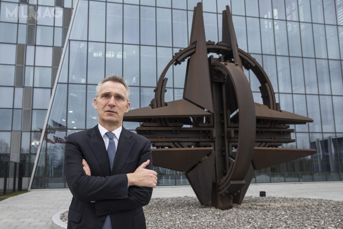 Największym wyzwaniem, które stoi przedSekretarzem Generalnym NATO, Jensem Stoltenbergiem, jest utrzymanie dobrych relacji transatlantyckich wramach Sojuszu