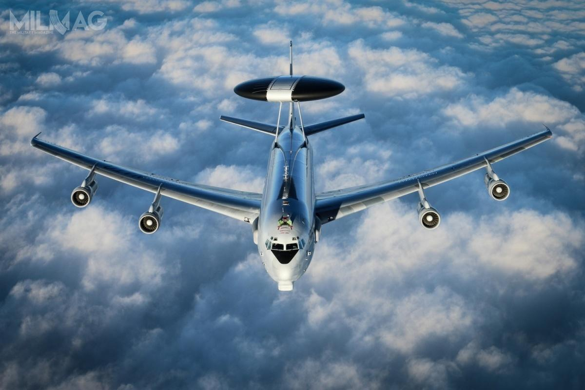 E-3A weszły nawyposażenie dwóch międzynarodowych eskadr NATO napoczątku lat 1980. Ostatnia modernizacja pozwoli naich użytkowanie do2024, alecelem agencji NAPMO jest wydłużenie czasu eksploatacji dolat 2035-2040 / Zdjęcie: Boeing