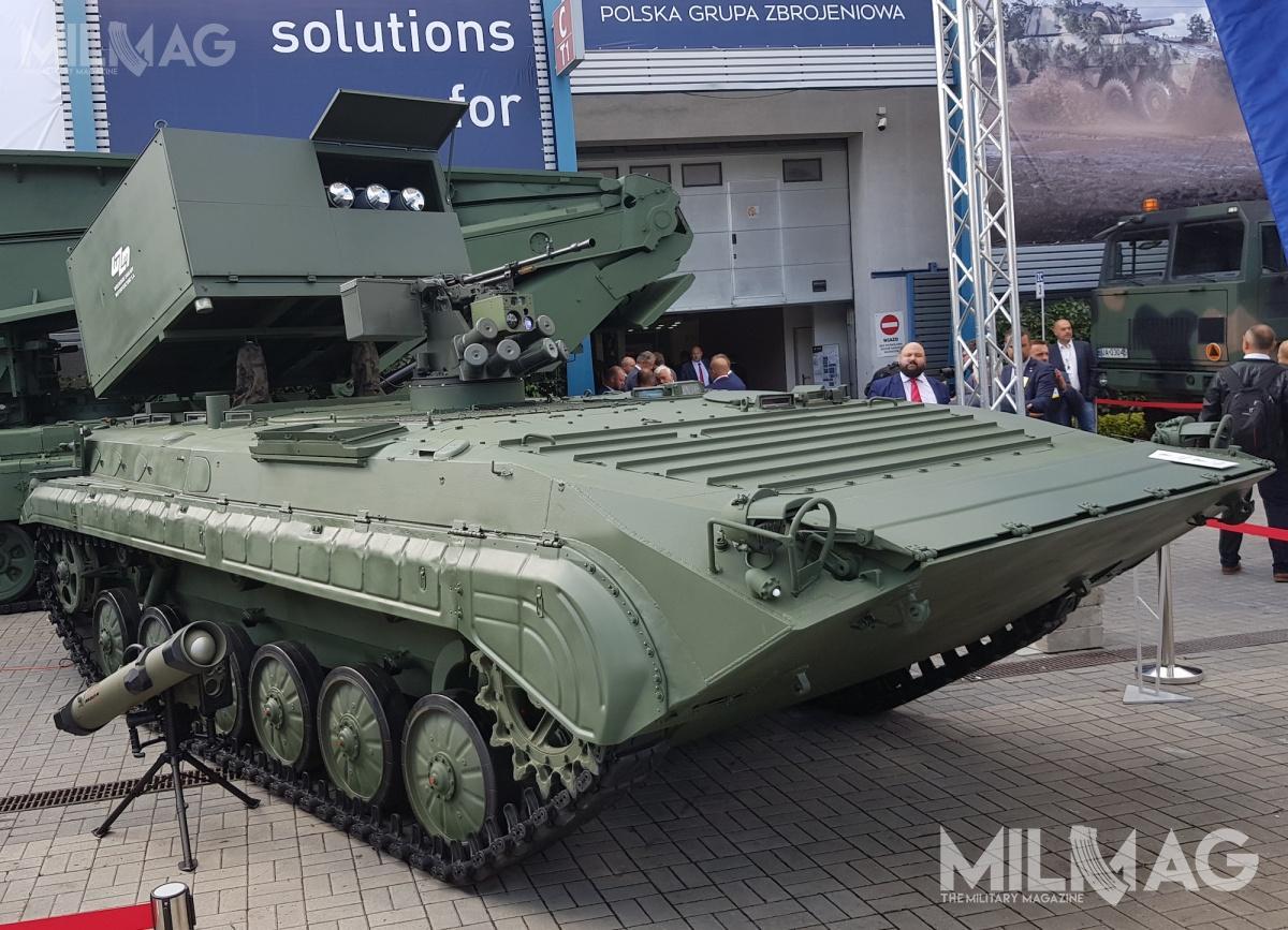 Wojskowe Zakłady Motoryzacyjne (WZM) zPoznania zaprezentowały niszczyciel czołgów napodwoziu bojowego wozu piechoty BWP-1, któryma powstawać poprzez modernizację istniejących pojazdów