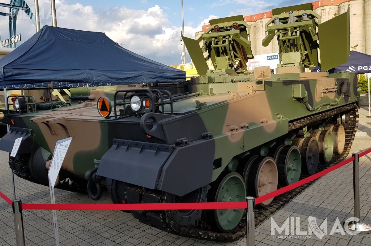 Huta Stalowa Wola (HSW) iWojskowe Zakłady Uzbrojenia (WZU) zaprezentowały  demonstrator niszczyciela czołgów napodwoziu 155-mm armatohaubicy Krab, bazujacym nalicencjonowanym podwoziem południowokoreańskiej ahs K9 Thunder /Zdjęcia: Jakub Link-Lenczowski