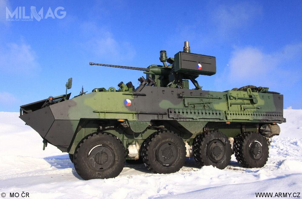 Czeskie wojska lądowe wykorzystują sześć wariantów transporterów opancerzonych Pandur II CZ M1: kołowe bojowe wozy piechoty KBVP, wozy dowodzenia KOT-VOV, wozy rozpoznawcze KBV-Pz, opancerzone ambulansy KOT-Zdr orazpojazdy inżynieryjne KOT-Ž. Nazakup pojazdów zdecydowano się w2009. Początkowo planowano, żedojednostek AČR trafi 199 pojazdów / Zdjęcie: Ministerstwo Obrony Republiki Czeskiej