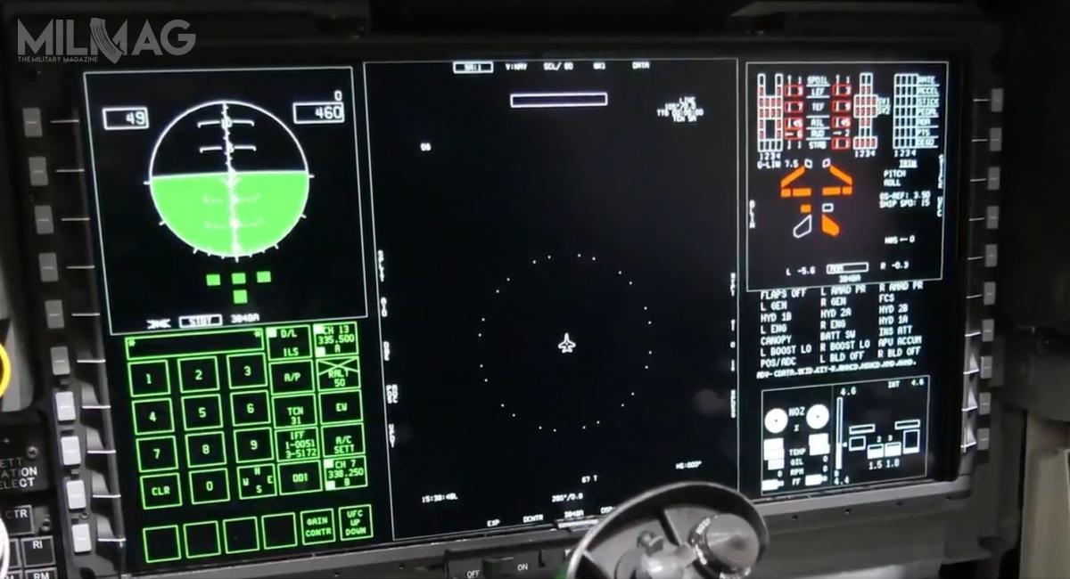 Z zaprezentowanych nowości najciekawszy wydaje się jednak nowy dotykowy wyświetlacz wielofunkcyjny owymiarach 254 mm x 483 mm / Zdjęcia: Boeing