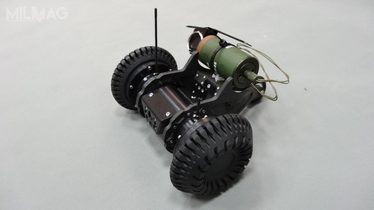 Poszukiwany jest także dostawca taktycznego robota mobilnego. Wymogi zamawiającego spełnia np.produkowany wPolsce Taktyczny Robot Miotany TRM / Zdjęcie: Sieć Badawcza ŁUKASIEWICZ - PIAP