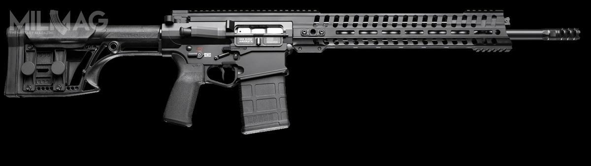 Nowy karabin P6.5 Edge SPR trafił napółki wamerykańskich sklepach. Długość całkowita 990 mm, masa bezamunicji 4,31 kg. Długość lufy 508 mm, skok bruzd 203 mm, lufa zakończona gwintem 5/8x24. Modele serii Edge mają całkowicie obustronne manipulatory, dzięki czemu może znich wygodnie korzystać strzelec prawo- ileworęczny / Zdjęcie: POF-USA