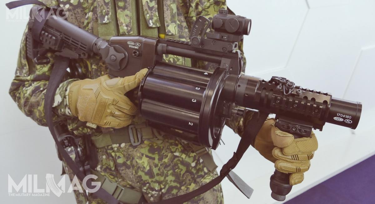 Proponowany Policji polski 40-mm granatnik rewolwerowy ZMT RGP-40. Podkoniec grudnia 2016 Szkoła Policyjna wSzczytnie odebrała pierwsze trzy granatniki rewolwerowe zTarnowa, które wprowadzono douzbrojenia wmarcu 2017 / Zdjęcie: Remigiusz Wilk