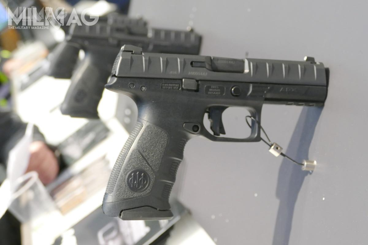 The 9x19 mm Beretta APX is a modern strike fire pistol equipped with polymer frame. The weapon debuted in 2015, although it was first shown in Europe in 2016. The name APX comes from Adaptable Pistol X. It went on sale in the civil market in March 2017. The designers from Fabbrica d'Armi Pietro Beretta developed this model as an offer in the American Modular Handgun System (MHS) programme / Photo: Remigiusz Wilk