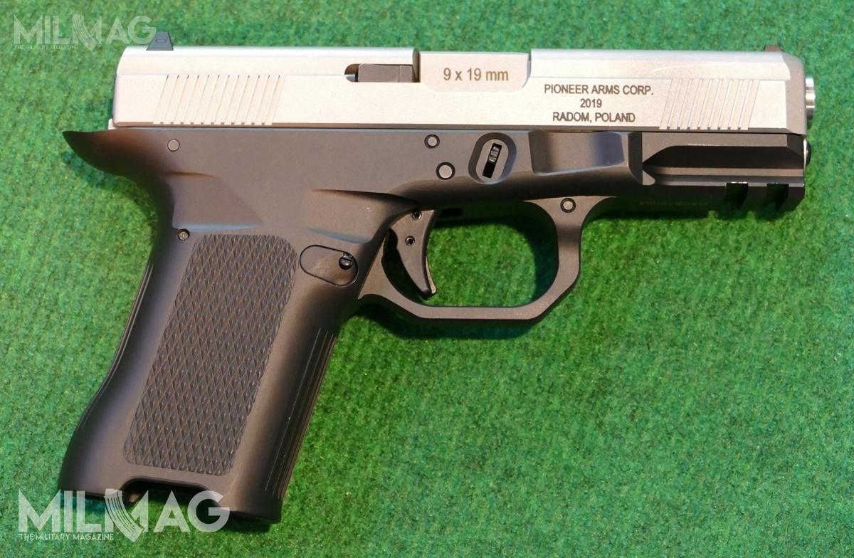 Prototype of the 9x19 mm chambered PAC9 striker fired pistol. It's based on the Gen 3 Glock 19 and can use Glock magazines. It also fits inside standard G19 holsters.