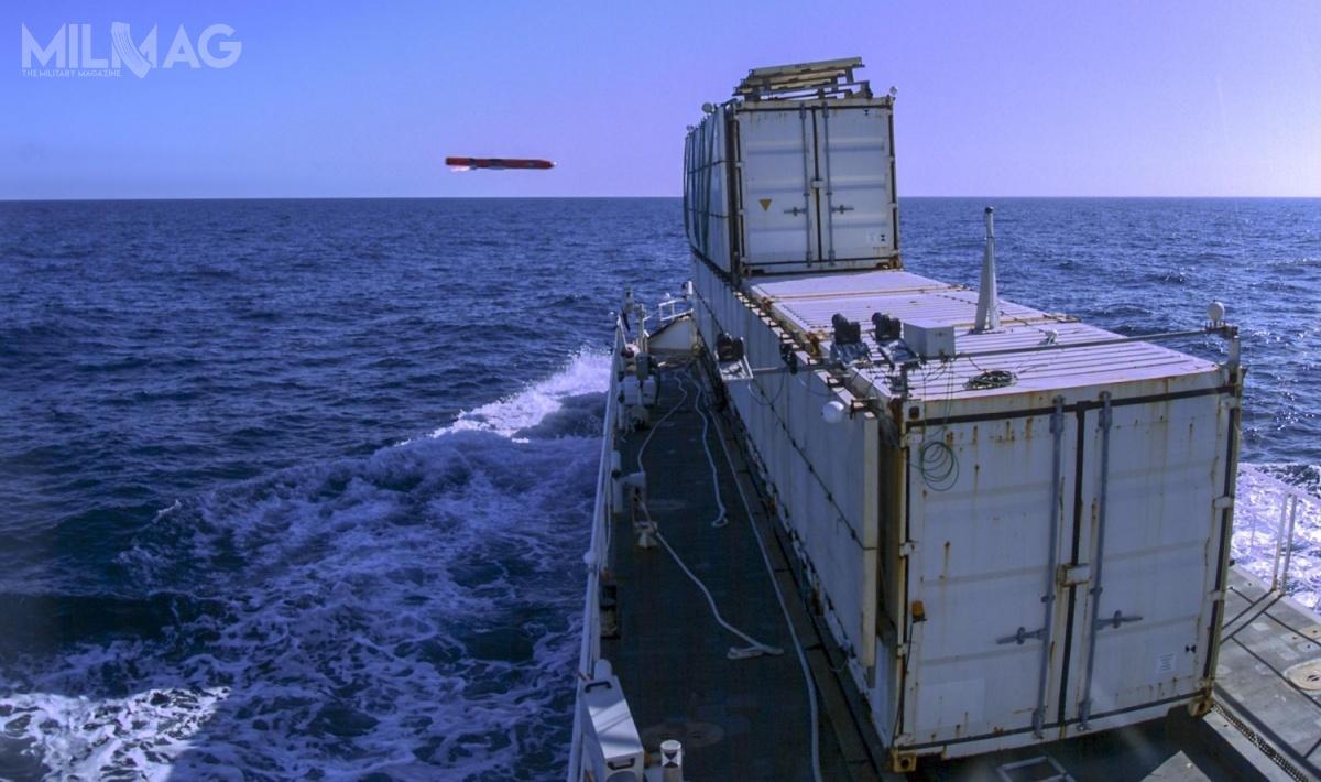 Sea Venom wejdzie nawyposażenie brytyjskiej marynarki wojennej (Royal Navy) jako Sea Venom, natomiast francuskiej (Marine Nationale) jako  Anti-Navire Léger (ANL). Pocisk ma 2,5 m długości, 0,2 m średnicy, 110 kg masy (wtym 30 kg togłowica bojowa), azasięg rażenia to20 km. Pocisk porusza się zprędkością poddźwiękową / Zdjęcie: MBDA