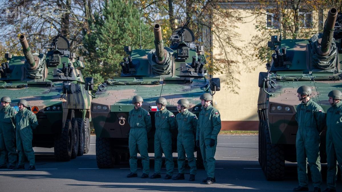 Wuroczystości wStargardzie uczestniczył minister Obrony Narodowej Mariusz Błaszczak. Przekazane moździerze samobieżne M120K Rak toostatni kompanijny moduł ogniowy zzamówionych wkwietniu 2016. Umowa obejmowała dostawy 64 moździerzy wraz z32 artyleryjskimi wozami dowodzenia