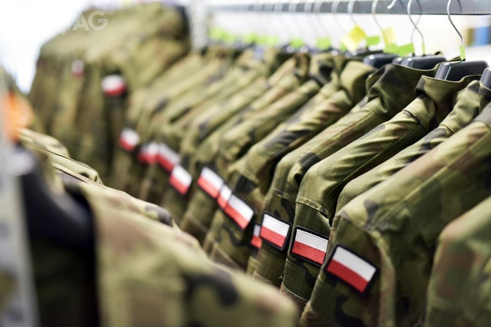 PSO Maskpol dostarczy Wojsku Polskiemu ponad 440 tys. kompletów mundurów polowych wz. 124P/MON orazmundurów letnich 124L/MON wkamuflażu wz. 93 Pantera / Zdjęcia: Polska Grupa Zbrojeniowa