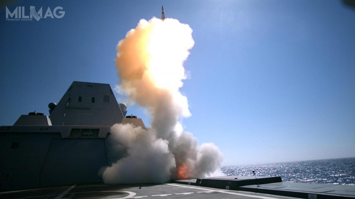 Przetestowany pocisk wywodzi się odwersji SM-2 Block IIIA, którama również ograniczone możliwości zwalczania okrętów nawodnych, aleniejest jasne czySM-2 Block IIIAZ również