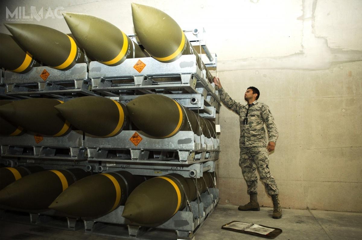 Do składów wRamstein trafiło około 100 kontenerów zróżnego rodzaju amunicją lotniczą (m.in.bomb ogólnego przeznaczenia Mk82 czyMk84), celem wsparcia materiałowego jednostek USAF wEuropie.
