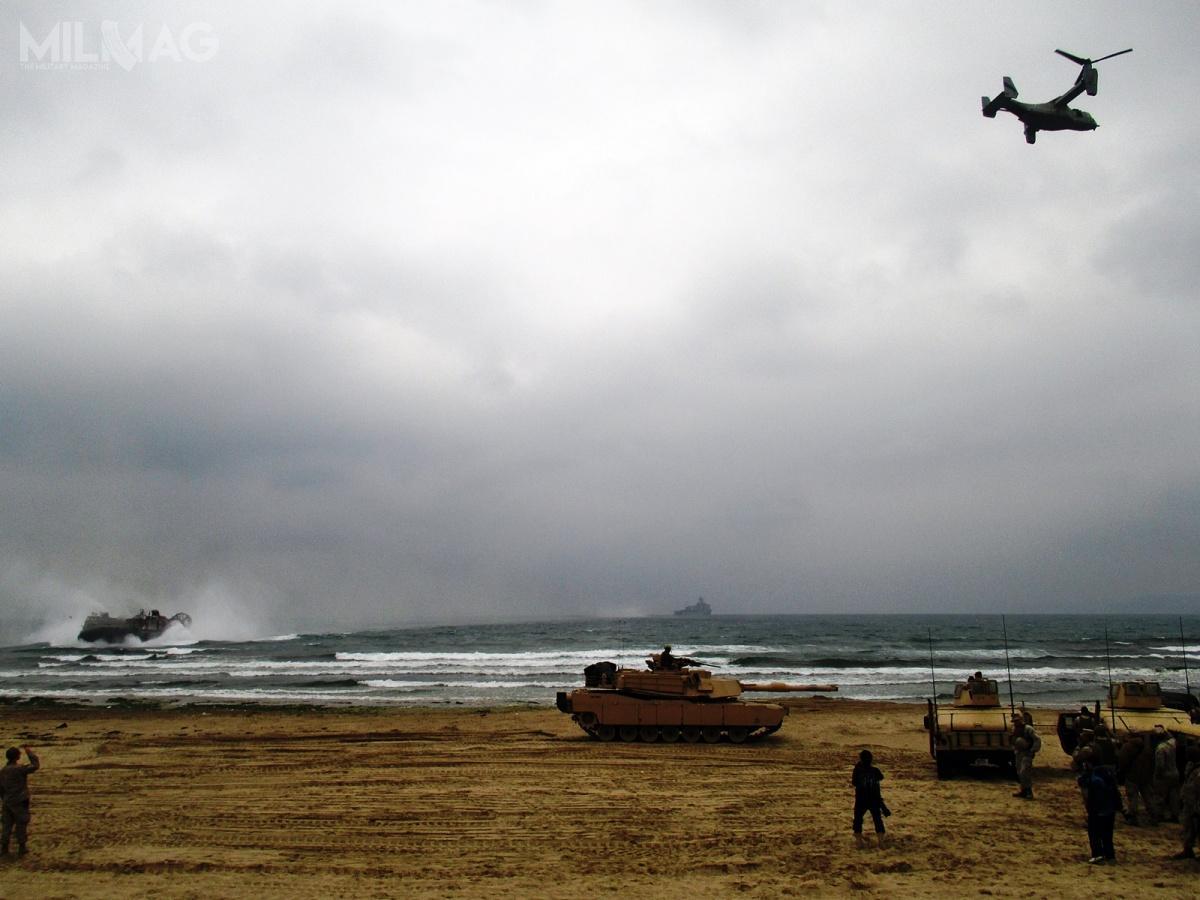 Zredukowane zostaną także eskadry wiropłatów izmiennowirnikowców. Doktryna prowadzenie wielkich operacji amfibijnych naOceanie Spokojnym ma zostać zastąpiona przezzakładającą prowadzenie walki przezmniej licznie pododdziały wrozproszeniu / Zdjęcia: USMC