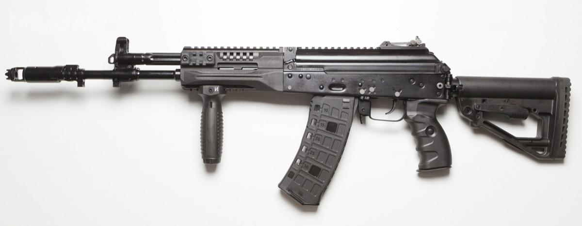 Podstawowym uzbrojeniem rosyjskiego żołnierza ma stać się do2020, czyli dopełnego wdrożenia systemu Ratnik dosił zbrojnych Rosji 5,45-mm karabinek automatyczny AK-12