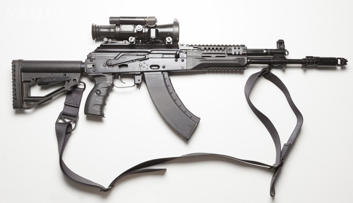 Karabinek AK-15 donaboju 7,62 mm x 39 uzupełnia model AK-12. Broń ma lufę tejsamej 415-mm długości, co karabinek AK/AKM / Zdjęcia: Koncern Kałasznikow