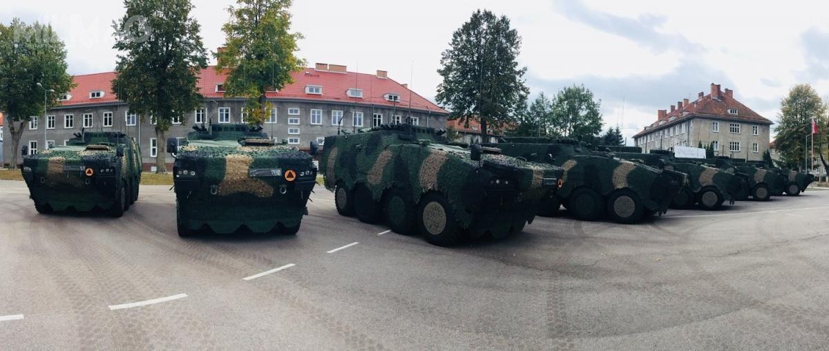 Pułk Wsparcia Dowodzenia, którypowstał 1lutego 2018 wramach Dowództwa Wielonarodowej Dywizji Północny-Wschód jest pierwszą jednostką, któraotrzymała Rosomaki WD.