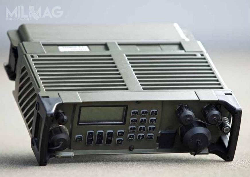 Radiostacje RRC 9211 zostały wprowadzone nawyposażenie WP poleceniem szefa IWSZ z2008 / Zdjęcie: Radmor