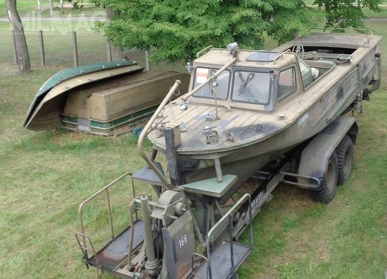 Nowe silniki zaburtowe będą służyć donapędzania łodzi saperskich ŁS, ŁS-76M (nazdjęciu) orazinnych płaskodennych jednostek pływających, użytkowanych przezWojsko Polskie / Zdjęcie: Agencja Mienia Wojskowego