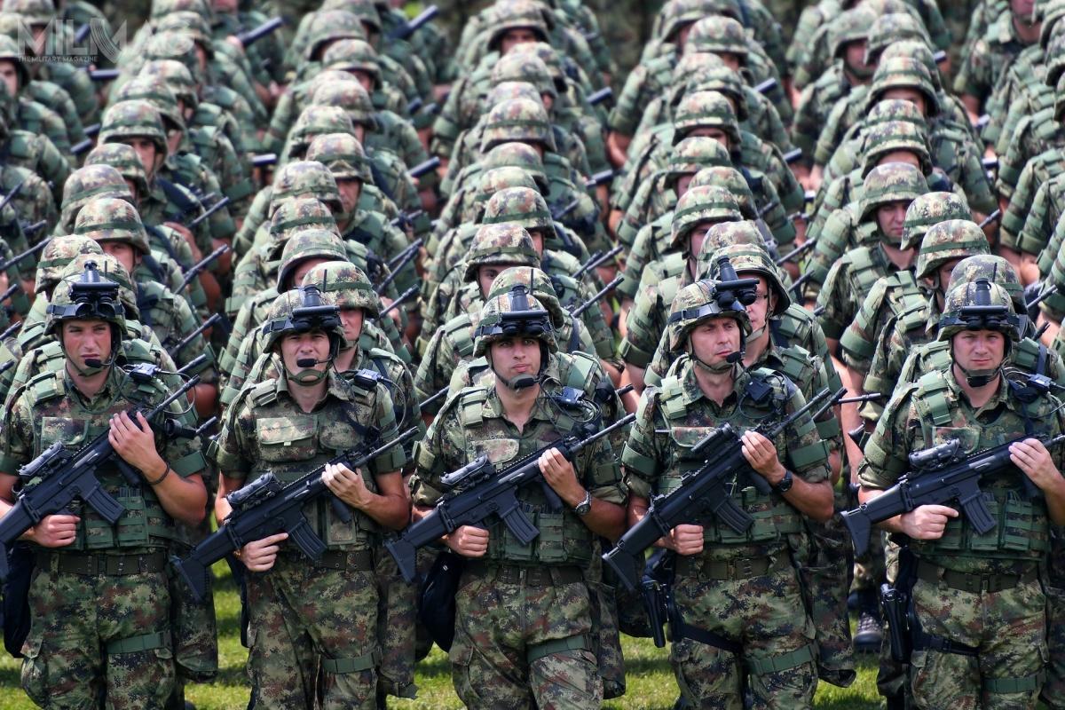 Serbowie zdecydowali się ozakupie pierwszej partii 740 karabinków FN SCAR-L wodmianach CQC iSTD, które ma uzupełnić dodatkowe 2tys. tych konstrukcji strzeleckich / Zdjęcie: Serbskie wojska lądowe
