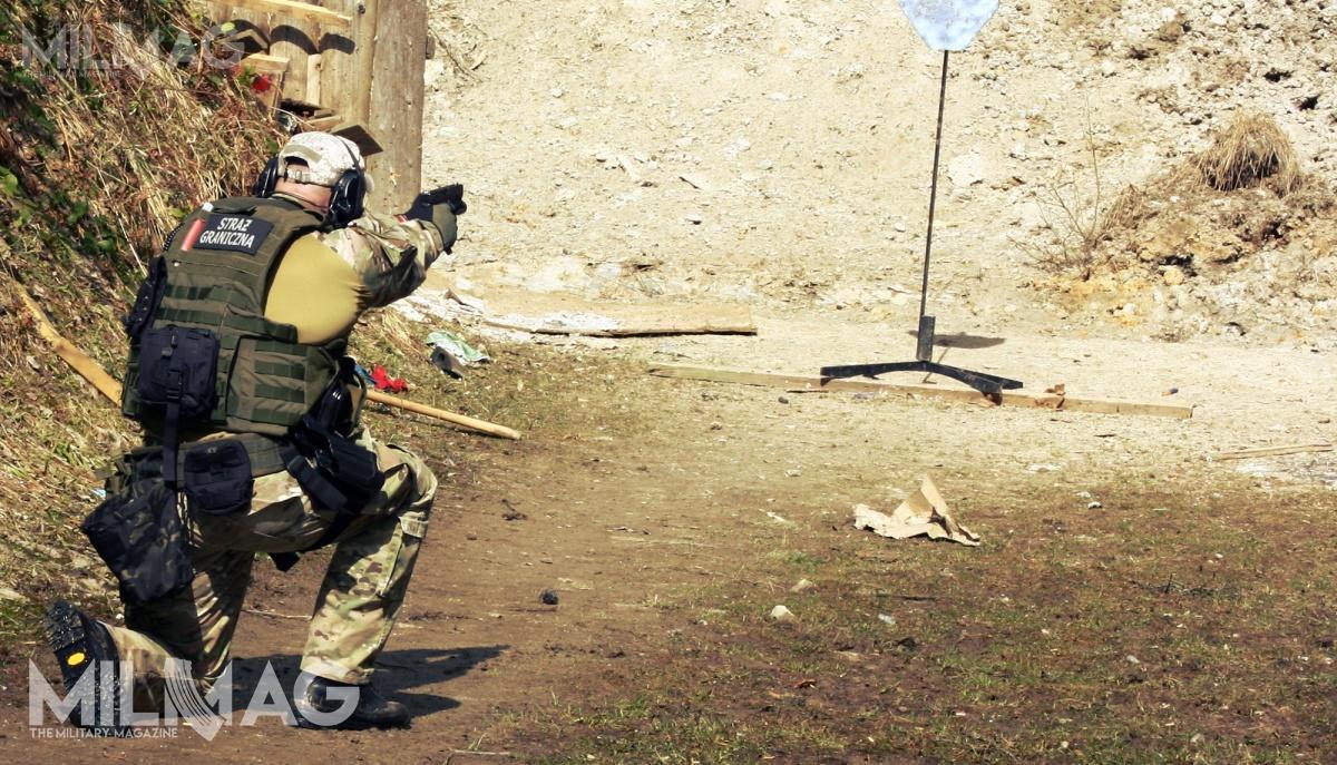 Obecnie funkcjonariusze Straży Granicznej są uzbrojeni m.in.wpistolety samopowtarzalne Glock 17 / Zdjęcie: Jakub Link-Lenczowski