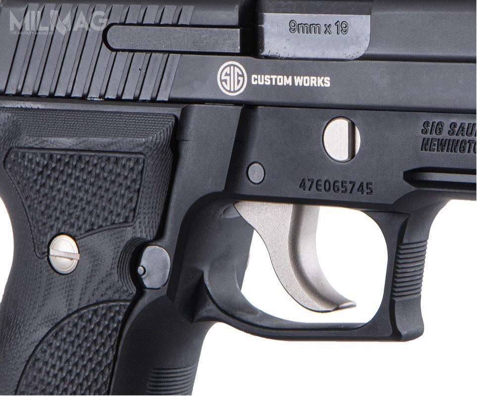 Dla kontrastu wszystkie manipulatory pistoletów Nightmare Series – język spustowy, kurek, dźwignie dorozkładania broni, zwalniania zamka ztylnego położenia idźwignia zwalniania kurka orazprzycisk zatrzasku magazynka są niklowane.