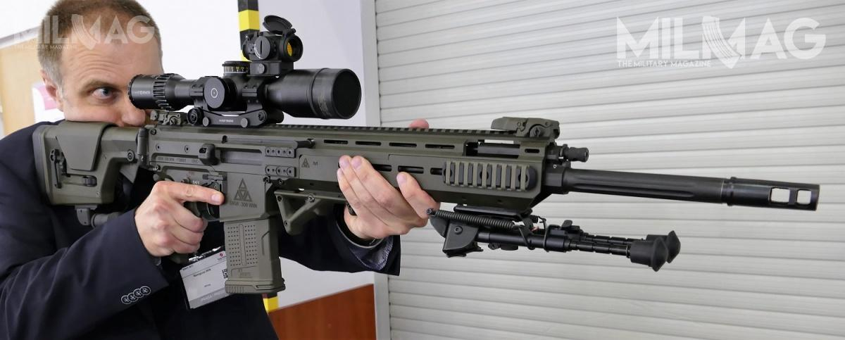 An elegant, well designed SKW weapon family was showcased by ZMT at the MSPO. These semiautomatic precision rifles maintain the AR-10/AR-15 ergonomics but are different on the inside. Off the shelf AR accessories can be used with SKW rifles.