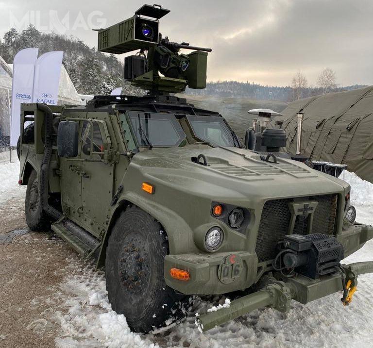 Izraelska spółka Rafael Advanced Defense Systems przeprowadziła pierwsze strzelanie ppk Spike LR zesłoweńskiego lekkiego pojazdu opancerzonego JLTV.