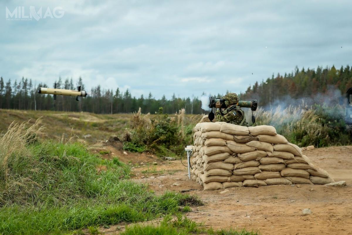 W pokazie, któryzostał poprzedzone krótkim instruktażem dla żołnierzy estońskich, dotyczącym użytkowania uzbrojenia, wzięło udział kilka delegacji europejskich, użytkowników rodziny ppk Spike