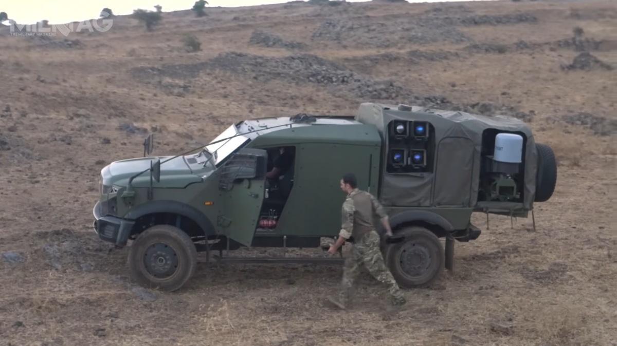 Sand Cat Stormer Spike NLOS MLS został uzbrojony wpoczwórną wyrzutnię przeciwpancernych pocisków kierowanych ozasięgu 25 km. /Zdjęcie: Plasan