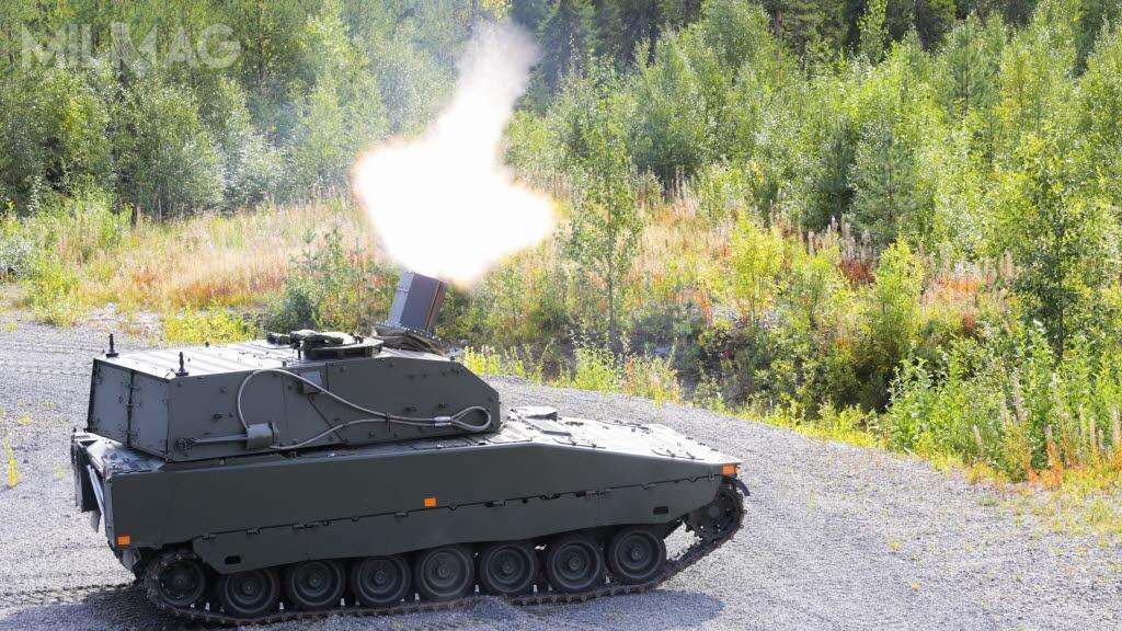 Szwedzi w2016 zamówili 40 samobieżnych moździerzy automatycznych Granatkastarpansarbandvagn 90 (Grkpbv90) Mjölner. Dostawy wszystkich pojazdów mają zakończyć się wgrudniu 2020