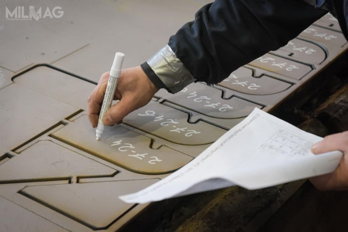 Uroczystość pierwszego palenia blach uznawana jest zapomyślne zakończenie etapu projektowego irozpoczęcie prac produkcyjnych  /Zdjęcia: Saab