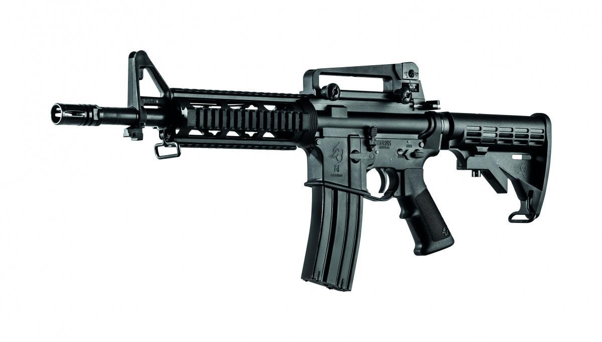 Spółka Taurus Armas podpisała umowę zfilipińskimi wojskami lądowymi nadostawy ponad 12 tysięcy karabinków automatycznych T4. Będzie topierwsza nieamerykańska broń wsiłach zbrojnych Filipin. / Zdjęcie: Taurus Armas