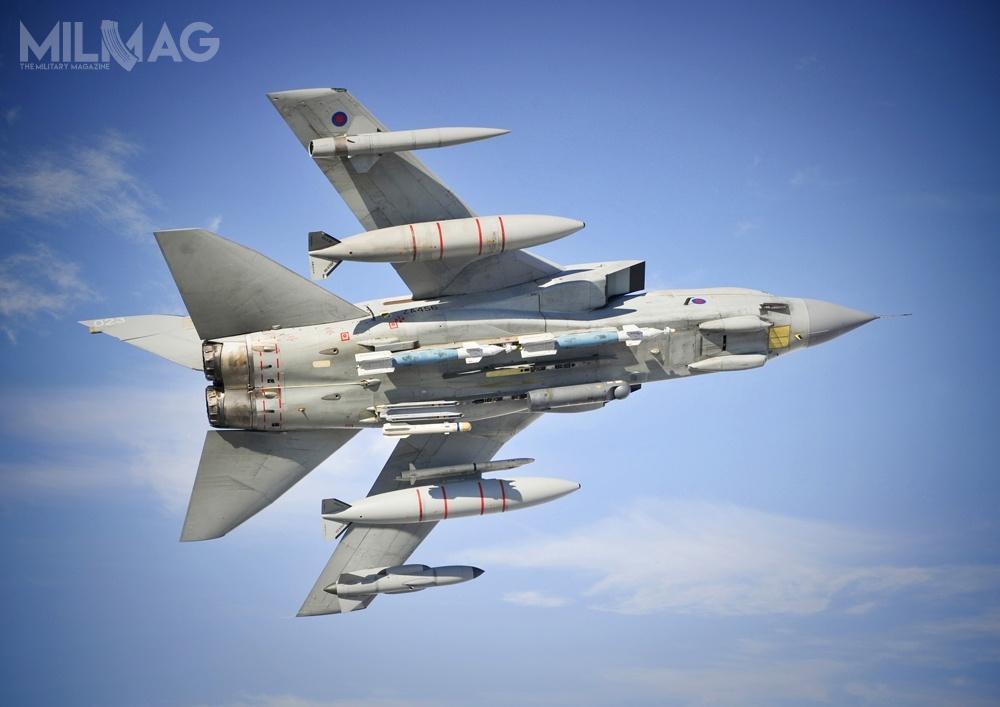 Przez niemal 40 lat brytyjskie królewskie wojska lotnicze operowały łącznie 385 samolotami bojowymi Panavia Tornado wróżnych odmianach / Zdjęcie: Ministerstwo Obrony Wielkiej Brytanii