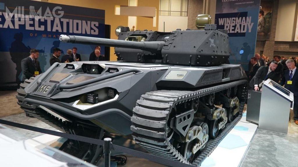 Textron Systems, Howe & Howe Technologies iFLIR Systems zaoferowały pojazd Ripsaw M5. Został wyposażony wwieżę z30-mm armatą napędową ATK XM813, zdalnie sterowany moduł uzbrojenia Common CROWS-J zpociskami FGM-148 Javelin orazwyrzutnię ładunków wydłużonych MICLIC dooczyszczania pól minowych. Napojeździe stacjonuje bezzałogowiec lądowy FLIR SUGV ibezzałogowy statek latający FLIR R80D SkyRaider / Zdjęcie: FLIR Systems