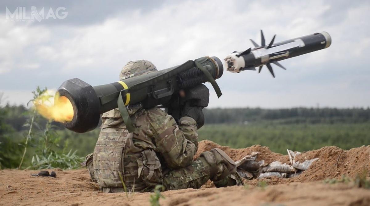 Żołnierz 2. Pułku Kawalerii US Army wystrzeliwuje ppk Javelin podczas ćwiczeń Saber Strike 16 wpobliżu poligonu Tapa wEstonii /Zdjęcie: US Army