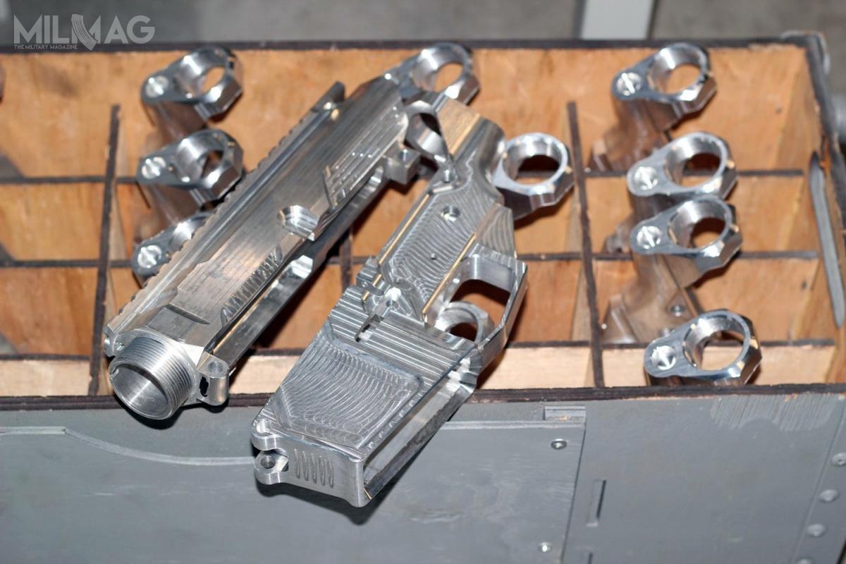 Zbroyar toprywatne przedsiębiorstwo naUkrainie zajmujące się opracowywaniem, produkcją isprzedażą konstrukcji strzeleckich orazakcesoriów. Niemal wszystkie komponenty powstają namiejscu / Zdjęcia: Zbroyar